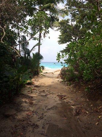Isla Praslin, Seychelles: l'arrivo alla spiaggia
