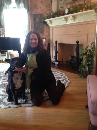 Annville, PA: The sitting room includes a piano. Here's Sammy, too, giving me support my first day.