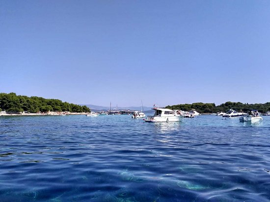 Slatine, Croacia: Crystal clear sea