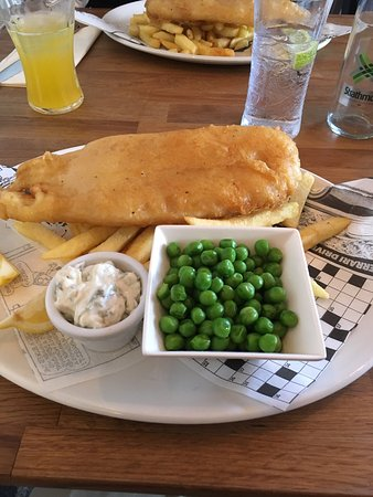 Lockerbie, UK: Lovely fish and chips