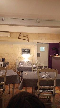 Fontvieille, France : salle du restaurant