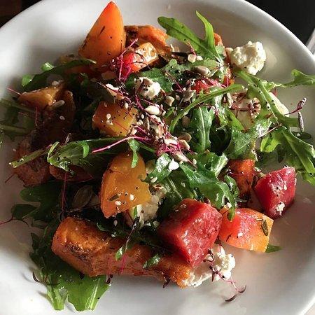Коршем, UK: Healthy Salad!