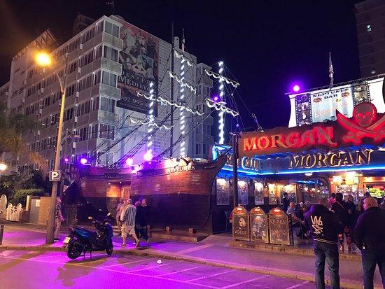 Morgan's Tavern: Outside