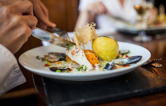 Martock, UK: Dining