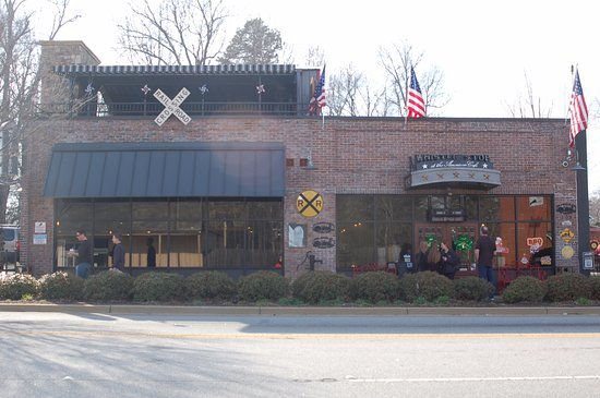 Travelers Rest, SC: Front of restaurant