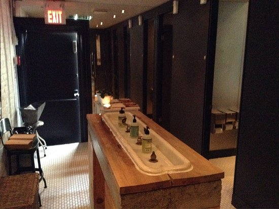 Photo of Restaurant Smith at 553 Church St., Toronto, Canada