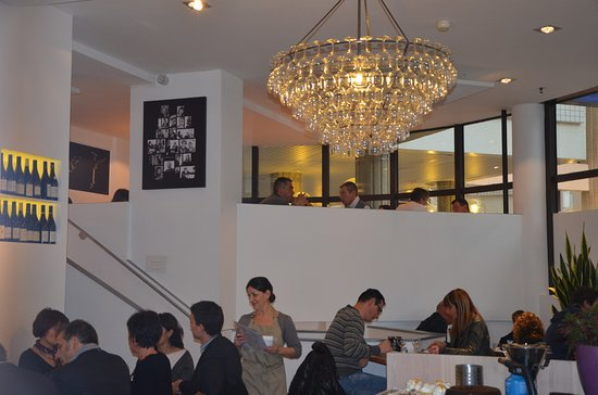 Villefontaine, Франция: 160 verres composent ce lustre