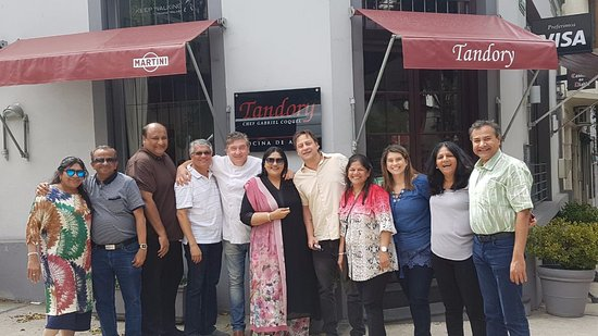 Restaurante Tandory: Us with the restaurant owners