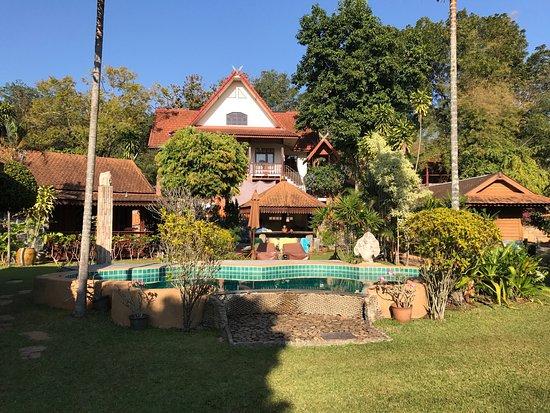 Viang Yonok Hotel, Restaurant, Sports Club