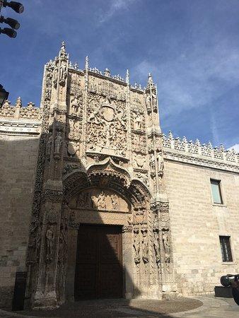 Museo Nacional de Escultura: Fachada espectacular