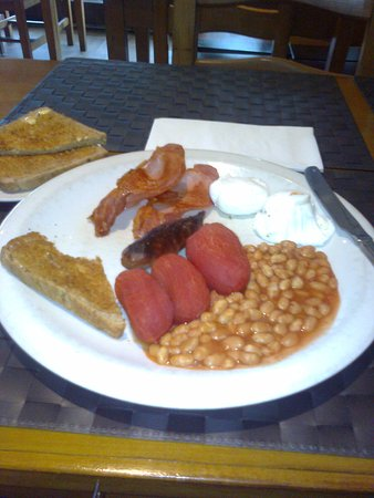 Isleworth, UK: My hearty breakfast