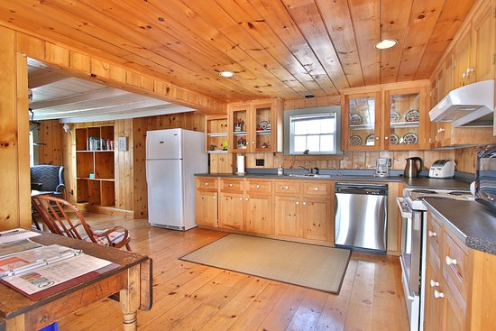 Trinity, Канада: Gover House Vacation Home Kitchen