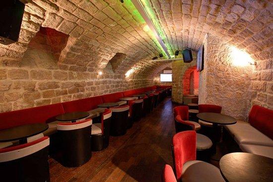 salle sous sol photo de kanon pub paris tripadvisor. Black Bedroom Furniture Sets. Home Design Ideas