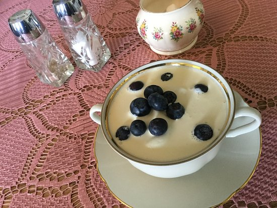 Varmahlid, Iceland: Skyr with cream and blueberries