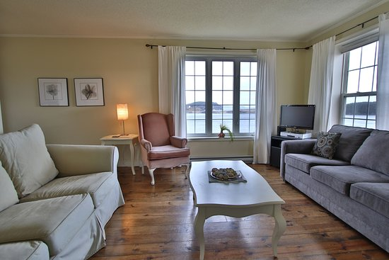 Trinity, Canada: Harbour House sitting Room with Ocean View