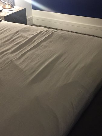 Kimpton Hotel Palomar Washington DC: This is how the bed was made by housekeeping