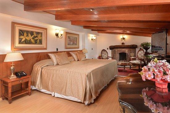 Hotel Ruinas : Suite Matrimonial con chimenea