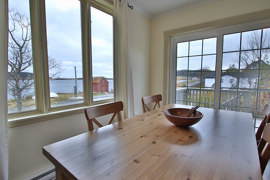 Trinity, Canada: Lighthouse View Dining Room with Ocean View