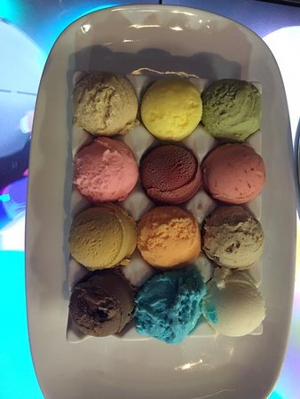Planet Hollywood: 12 gelato flavors for dessert - guess the flavors correctly and win a prize!