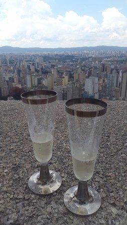Italian Building: Vista com champanhe
