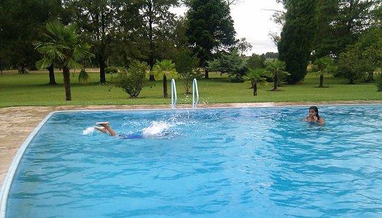 Nueva Helvecia, Uruguai: piscina