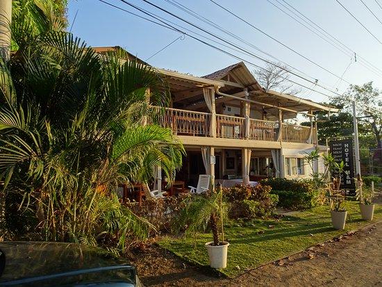 Hotel M&M Beach House: Vue de facade
