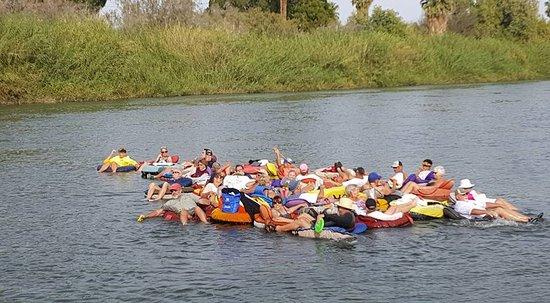 Yuma River Tubing: 35 tipsy snowbirds floating down the river!