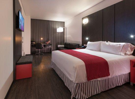 Habitaci n est ndar sencilla con cama queen size y sof for Sofa cama queen size mexico