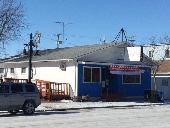 Winnipeg Beach, Kanada: Formerly known as Bonnie Lynn's. Recently, going though a transformation to Shenanigan's.