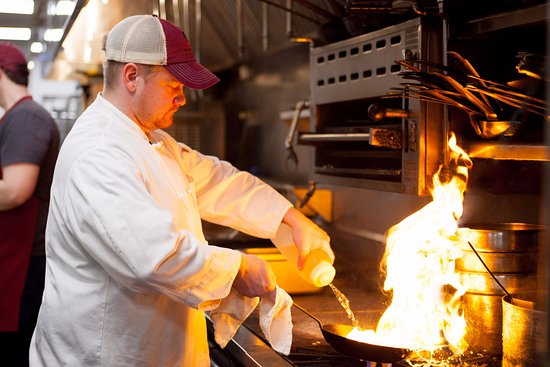 Kittery, ME: Preparing quality dishes
