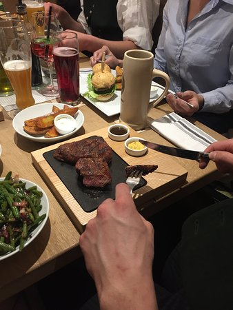 Lenggries, Alemania: Steak vom Holzkohlgrill