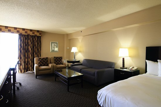 Radisson hotel jfk airport for Hotels closest to jfk airport