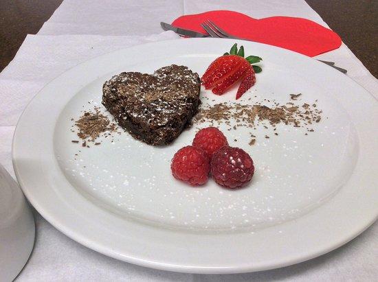 Knighton, UK: Homemade Valentines chocolate brownies 