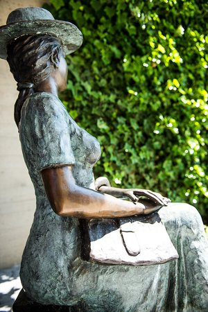 Schwarzenberg, Suisse : Skulptur Frida Hoteleingang