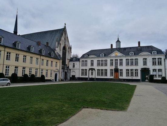 Bois de la Cambre and Foret de Soignes : Abadía de la Cambre
