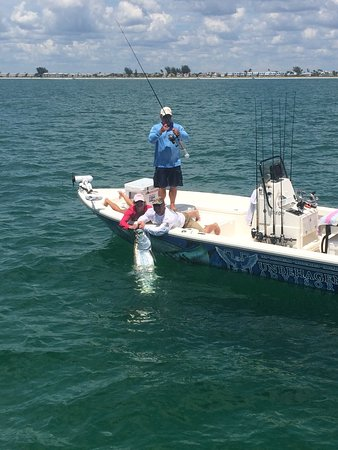 West coast fishing adventures tarpon springs fl hours for Tarpon springs fishing