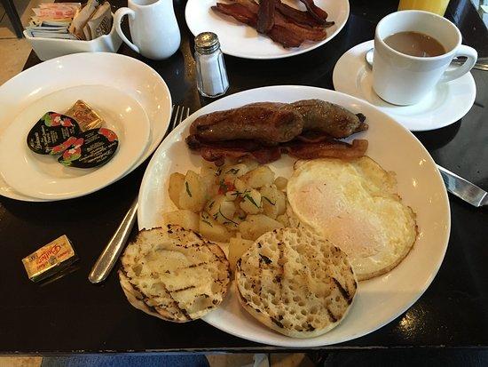 Photo of American Restaurant Madison & Vine at 299 Madison Ave, New York, NY 10165, United States