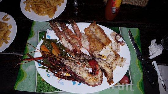 Safari Inn Bar & Restaurant: Sea food plater
