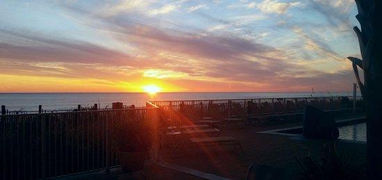 Emerald Isle Resort and Condominiums: Sunsets Galore