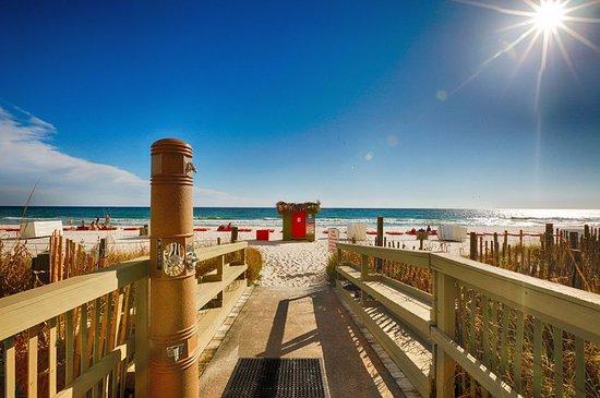 Emerald Isle Resort and Condominiums: Beach Access