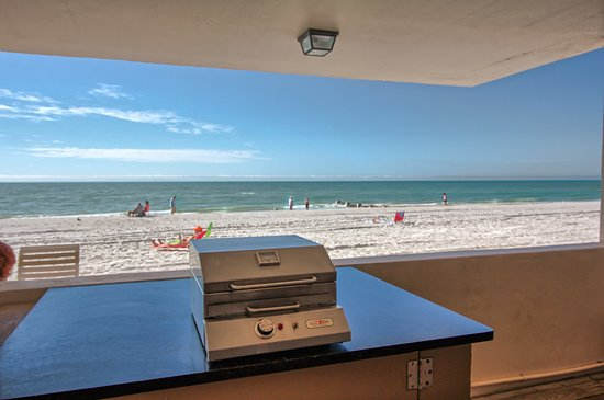 Grilling and chilling area.