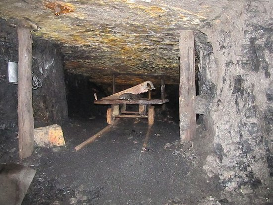The Denniston Experience : Inside the mine