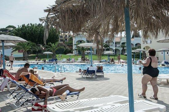 Corfu Sea Gardens: Prostě Řecko, exotika
