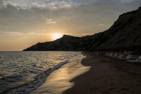 Corfu Sea Gardens: Za tohle hodina cesta tam a hodina cesta zpět stojí... pláž arkoudilas
