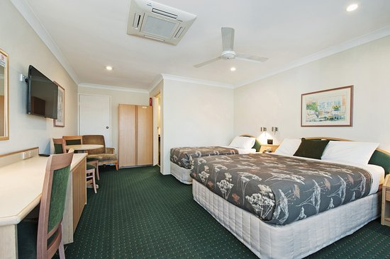 Raymond Terrace, Австралия: Queen Twin Room  ! queen bed 1 single bed
