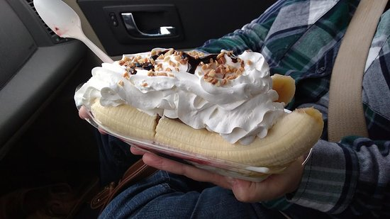 Aurora, Индиана: Biggest & Best Banana Split We have ever had
