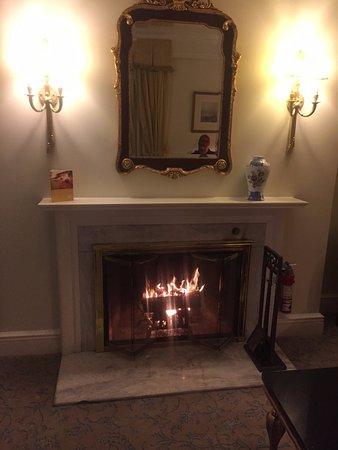 Taj Boston: Junior Suite Fireplace #801