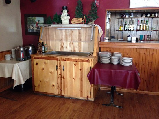 Freeport, MN: salad bar with home made soup and salads