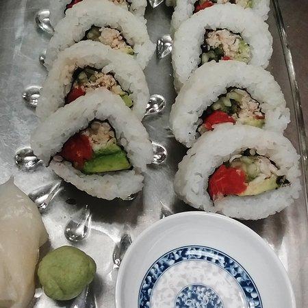Tubac, Аризона: SUSHI SATURDAYS ~ Real Crab, W.C. Salmon, Cucumber & Avocado
