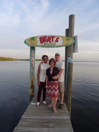 Bert's Bar & Grill: Chez BERT'S